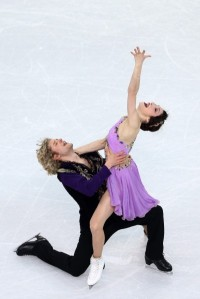 Davis & White in free dance, photo by Clive Mason/Getty Images